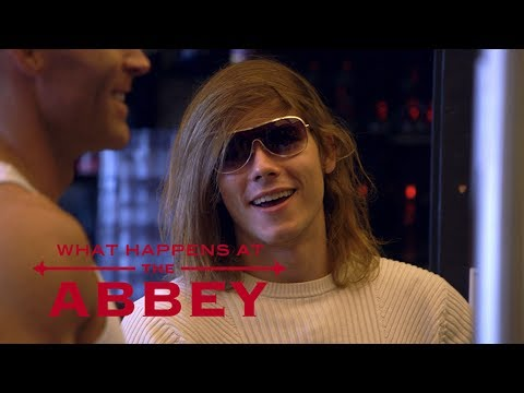 Daniel Gets Called Out for Fashion Faux Pas | What Happens at the Abbey | E!