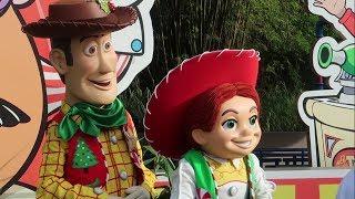 Christmas At Disney World 2018! | Flurry Of Fun Holiday Offerings At Disneys Hollywood Studios!