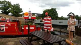 preview picture of video 'Pimms O'Clock time at The Waters Edge/Turning Point Grand Union Canal,Cowley,Middlesex.'