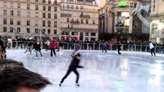 preview picture of video 'Patinoire Paris h�tel de ville'