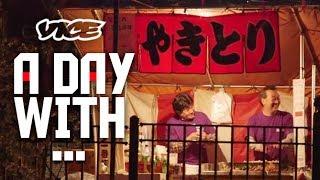 密着24時!テキ屋 - Yakitori Stall at the Cherry Blossom Festival
