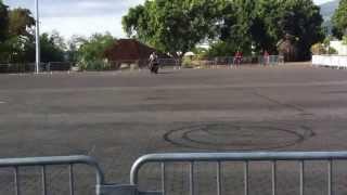 preview picture of video 'Show stunt au Salon du 2 roues à La Réunion'