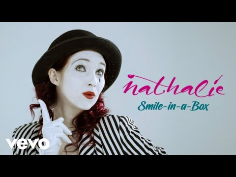 , title : 'Nathalie - Nathalie - Smile-in-a-box(Official video)'