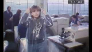 preview picture of video 'Fatra Napajedla - výroba pláštěnek pro Spartakiádu 1985'