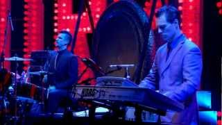Morrissey - There Is A Light That Never Goes Out (live in Manchester) 2005 [HD]