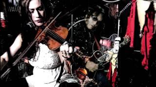 APOX jams unplugged on Leadbelly