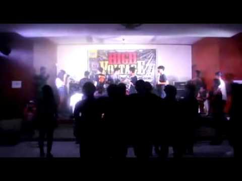 Riot For A Moment - Live At dpd golkar bekasi 11may2013 (Live)