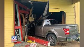 Panama Cityin Custody After Crashing Truck and Injuring 1 in Oxford