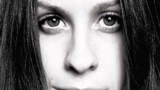 One (Live Version) - Alanis Morissette - Lyrics