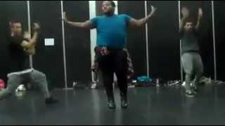 "Fat Boy danced to Pussycat Dolls' ""Buttons"""