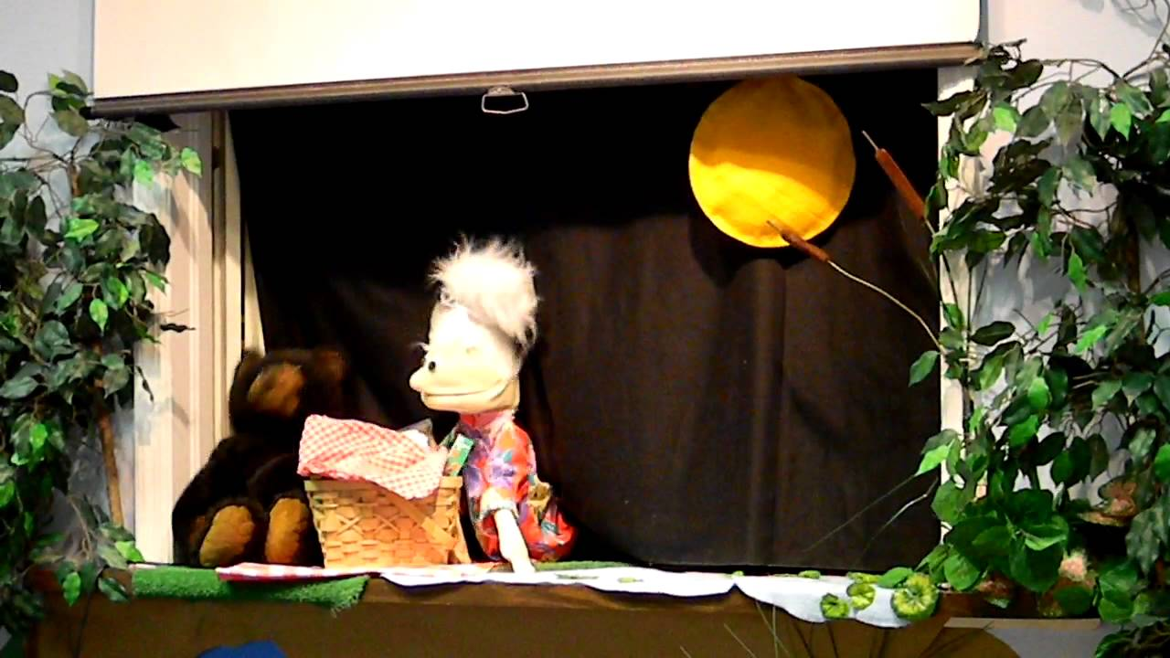 Puppet Show for Kids - Granny's Song