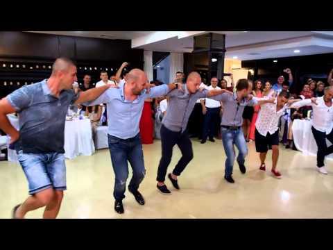 Един страхотен мъжки шопски танц на сватба във Враца