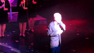 Andy Williams singing Ave Maria at his Christmas show in Vegas 12.23.10.MOV