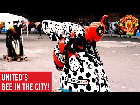 Man United has it's very own Bee! | Bee in the City Art Installation | Manchester United