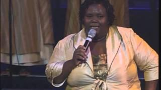 Hlengiwe Mhlaba - Liyanganelisa, Yiyo lendlela, Mhlekazi