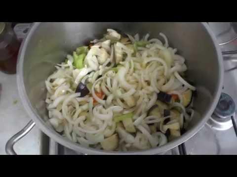 Салат из кабачков и баклажанов под маринадом на зиму. Рецепт.
