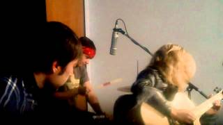 Ume -Too Big World (acoustic)