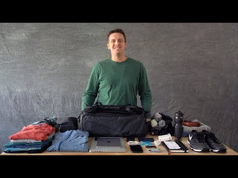The NOMATIC Travel Bag – Product Walk Through / How To Pack