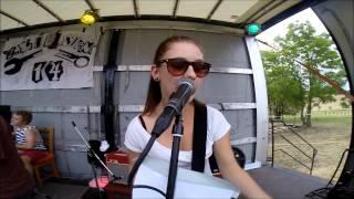 Video ZLOMENÁ14 - JE DŮLEŽITÝ u KOZY punk fest