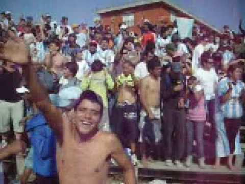 """""""hoy hay q ganar  ,CERRO CAPO"""" Barra: Los Villeros • Club: Cerro"""