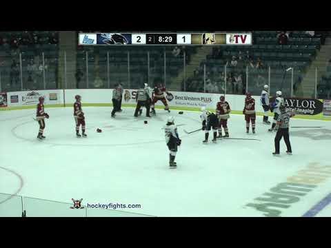 Lane Hinkley vs. Riley Bezeau