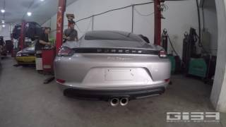 Porsche com Escapamento Giba.