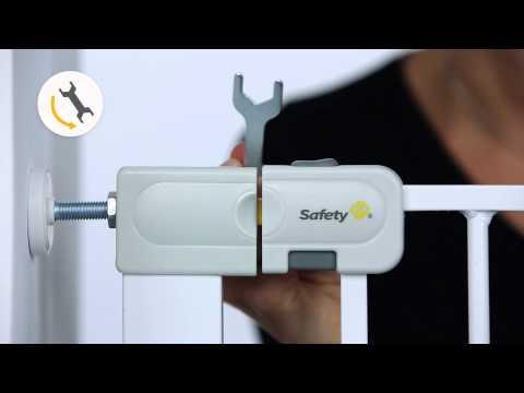 So installieren Sie das Easy Close Türschutzgitter von Safety 1st