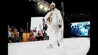 OMG!!!  OONI OF IFE CATWALKS DOWN AFRICA FASHION WEEK STAGE