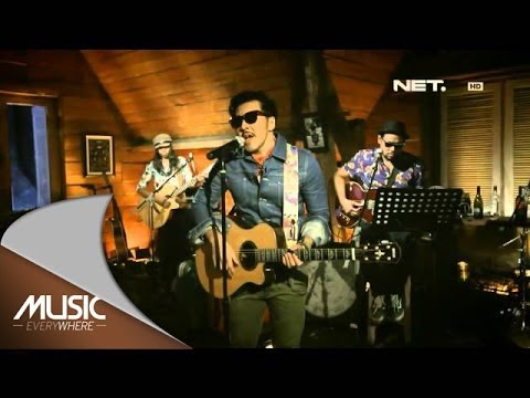 Music Everywhere - Naif Band - Posesif ** Mp3