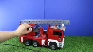 Bruder MAN Feuerwehrauto mit Drehleiter und Wasserpumpe (Bruder Art. 07221)