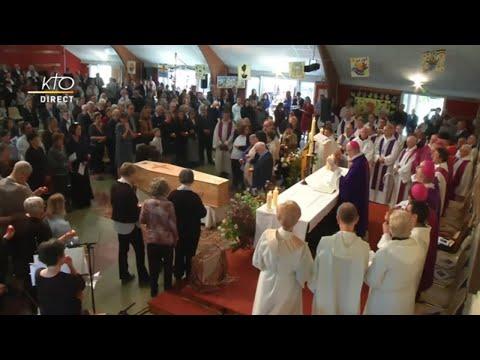 De nombreuses personnes rassemblées pour les obsèques de Jean Vanier