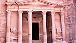 preview picture of video 'Petra, The Rose Red Desert City , Jordan'