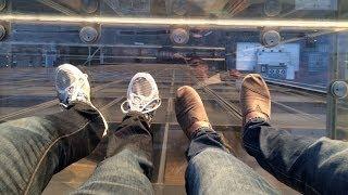 Willis Tower, Chicago: Did we break the Skydeck?!?