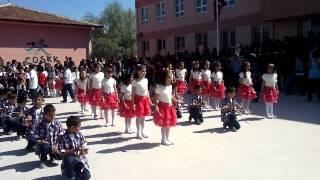 denizli çardak gemiş ilkokulu 2a sinifi 23 nisan 2013 dans gösterisi