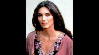 Emmylou Harris - Diamonds Are A Girl's Best Friend.