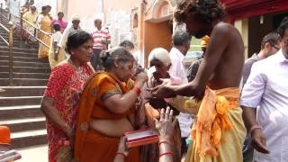 preview picture of video 'Inde 2013 : Temple a Ayodhya'