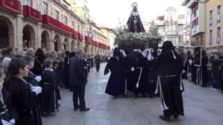 preview picture of video 'Recogida de la Virgen de la Dolorosa Oviedo 2014'