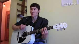 Смотреть онлайн Музыкант спел как Виктор Цой