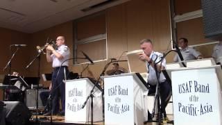【JAZZ】童謡「うさぎとかめ」(もしもしカメよ…) - アメリカ空軍太平洋音楽隊