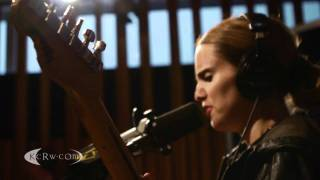 "Anna Calvi performing ""Desire"" on KCRW"