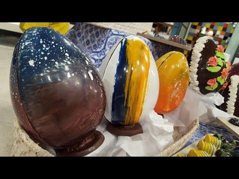 Arte en huevos y bombones de Pascua