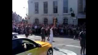 preview picture of video 'London Olympic Torch Relay - SW6 Fulham Road / Northend Road'