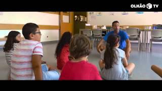 Nesta escola, as crianças têm aulas de meditação