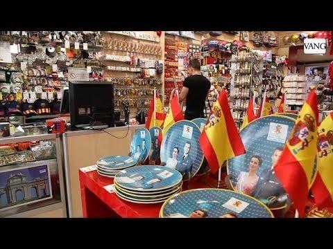 Video Los souvenirs de Felipe VI invaden Madrid