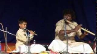 Shadaj Godkhindi in 3 Generations concert Raag Yaman.mpg