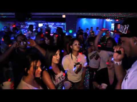 MayB FT. Ryda B - Take Off & King Shit (MO Stand UP mashup video)