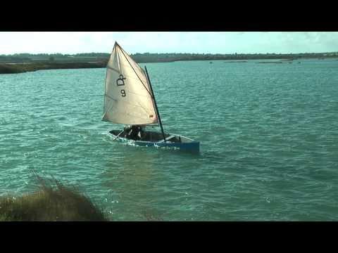 John Milgate's duck punt sailing canoe plans online – intheboatshed.net