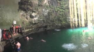 preview picture of video 'cenote chichen itza'