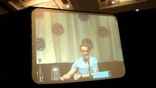 Том Фелтон, Tom Felton at Dragon Con 2011 - Hug