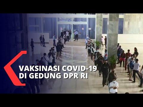 Vaksinasi Corona di Gedung DPR RI